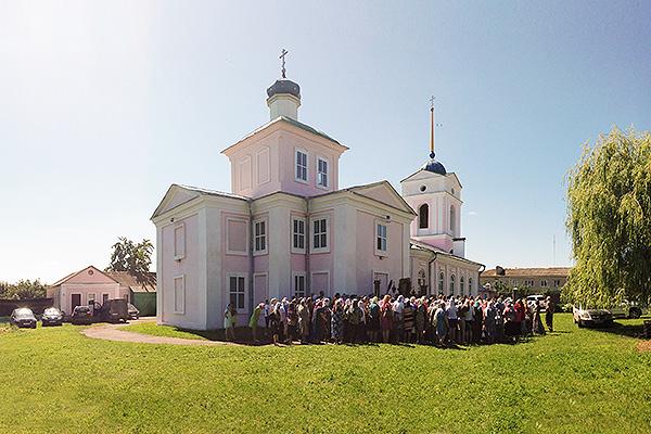 В Болхове отметили праздник иконы Божией Матери «Троеручица»