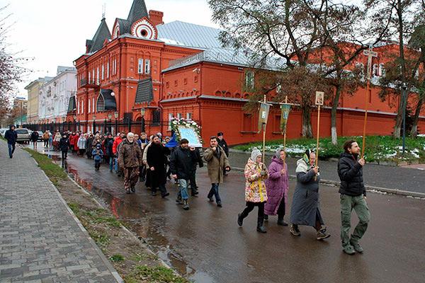 В праздник Казанской иконы Божией Матери в Орле состоялся традиционный крестный