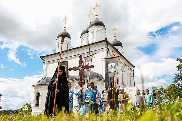 В болховском Троицком Оптином монастыре отметили праздник Тихвинской иконы Божие