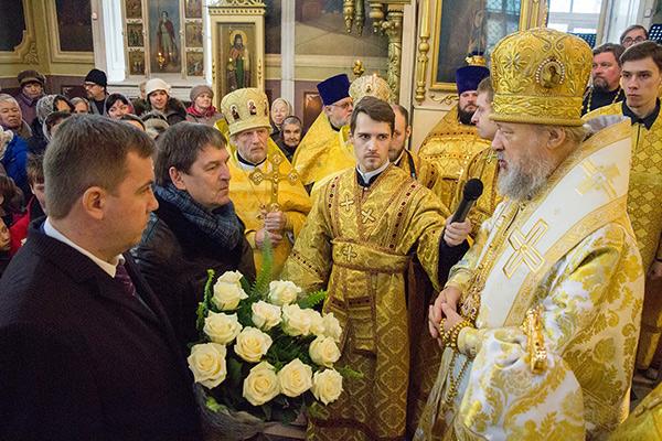 В Неделю 24-ю по Пятидесятнице митрополит Антоний возглавил литургию в Ахтырском