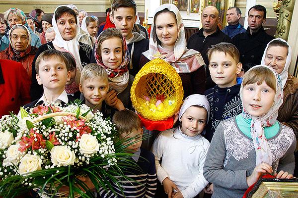 При храмах Орла организованы детские хоры