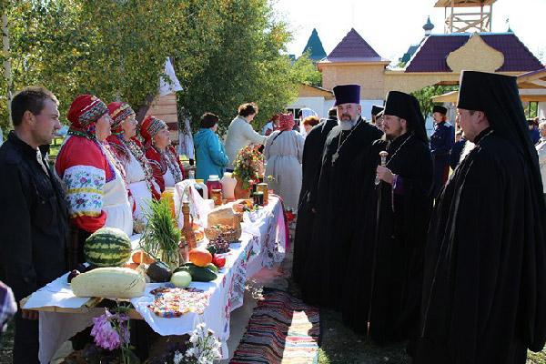 Фестиваль казачьей православной культуры прошел в новосильском Свято-Духовом мон
