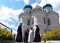 Архиепископ Пантелеимон посетил храмы Болховского благочиния