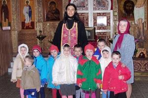 Над воспитанниками Мценского детского дома совершено таинство Крещения