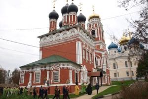 Состоялось освящение Троицкого храма Болхова — старейшего каменного храма епархии и старейшего архитектурного сооружения региона