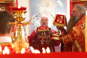 Митрополит Антоний совершил литургию в монастыре святой блаженной Ксении Петербургской с. Долбенкино Дмитровского района