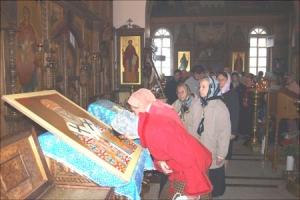 Икона Святителя Луки Крымского (Войно-Ясенецкого) с частицей мощей святого вновь выставлена для поклонения