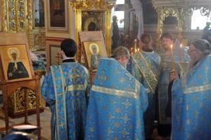 В Ахтырский собор прибыли иконы Ксении Петербургской и Матроны Московской