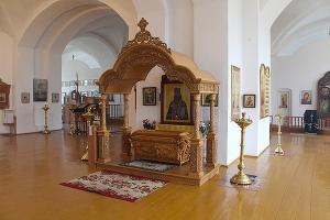 Над мощами священноисповедника Георгия Коссова установлена сень