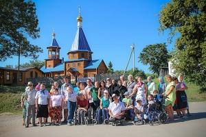 При поддержке движения «Богоявленская семья» инвалиды Орла и Болхова посетили св