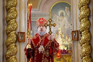 В День Победы митрополит Антоний совершил литургию и поминовение воинов в Ахтырс