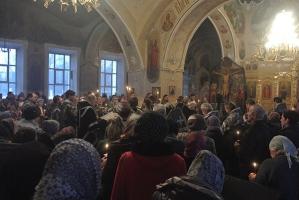 В Богоявленском соборе отслужена вторая Пассия в Великом посту