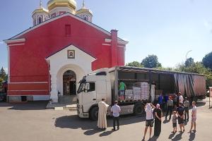 В Орёл прибыла вторая партия церковного гуманитарного груза для нуждающихся семе