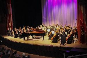 Архипастыри Орловской митрополии посетили музыкальный вечер в Академическом театре имени И.С. Тургенева