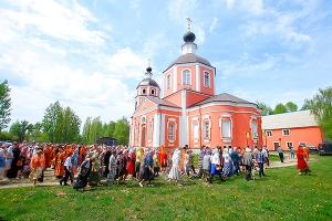Архипастырь возглавил торжества в честь престольного праздника храма Великомученика Георгия Победоносца в Ливнах