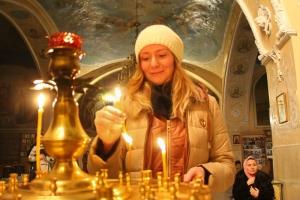 Первая ночная молодежная литургия состоялась в Богоявленском соборе