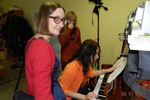 Православная молодёжь показала спектакль в семейном кризисном центре