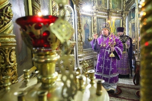 В день памяти преподобного Алексия, человека Божьего, епископ Алексий совершил литургию в Иоанно-Крестительском храме
