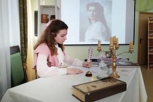 Священник и педагоги рассказали ученикам «Вятского Посада» о настоящей семье