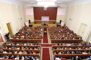 Диалог на равных: видеозапись встречи митрополита Тихона со студенчеством