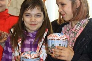 Знаменский храм организовал пасхальные праздники для жителей микрорайона