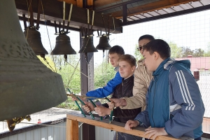 Сотрудники епархиального социального отдела рассказали о Пасхе маленьким орловчанам
