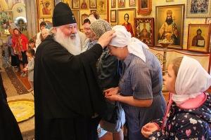 В Неделю 4-ю по Пятидесятнице митрополит Тихон совершил литургию в Троице-Васильевском храме Орла