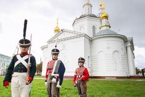 Митрополит Тихон посетил фестиваль «Орловская крепость»
