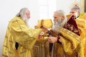 Митрополит Тихон возглавил литургию в «Вятском Посаде» в Неделю 17-ю по Пятидесятнице