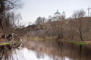 В Димитриевскую родительскую субботу митрополит Тихон посетил приход на древнейшем погосте Орловского района