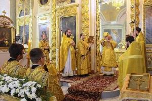 В Неделю 26-ю по Пятидесятнице Архипастырь совершил литургию в Ахтырском соборе
