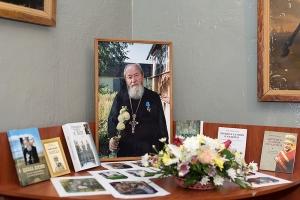 Сто лет общей истории: православные болховчане поздравили местный краеведческий музей с вековым юбилеем