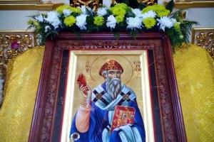 В орловский храм пожертвована икона святого Спиридона Тримифунтского с острова Корфу