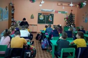 Новости Кромского благочиния: знакомство школьников с храмом и крещенская встреча с молодёжью