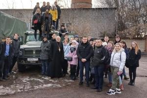 О Родине, семье и мужестве: в канун Дня защитника Отечества священник встретился со студентами