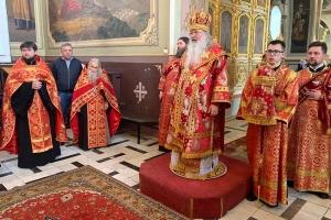 Архипастырь возглавил Пасхальную великую вечерню в Ахтырском соборе
