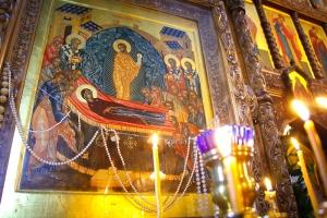 Православные христиане отмечают праздник Успения Божией Матери