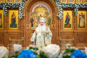 Архипастырь совершил литургию в Иверском храме в день его престольного праздника