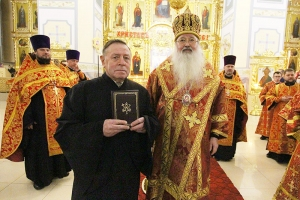 Митрополит Тихон вручил Патриаршие награды клирикам Смоленского храма Орла