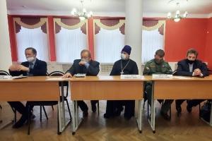 Представители Орловской епархии участвовали в обсуждении тем воспитания молодежи в региональной Общественной палате