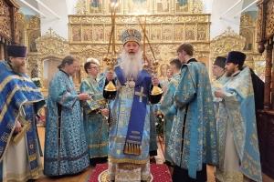 В день Похвалы Богородице митрополит Тихон совершил Литургию в Свято-Введенском монастыре