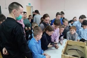 Росгвардейцы, ветераны и поисковики провели урок мужества в Болховский православной гимназии-пансионе