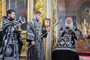 В Великую Cреду Архипастырь совершил Литургию Преждеосвященных Даров —последнюю в этом году