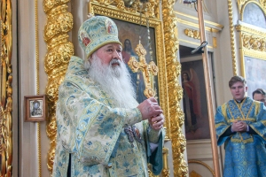 Духовенство и паства поздравили митрополита Тихона с днем рождения