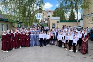 В пятницу Светлой седмицы Архипастыри Орловской митрополии совершили Литургию в Сергиевском соборе в Ливнах