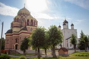 Православные христиане отмечают Неделю Всех святых