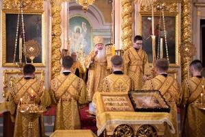 Владыка Тихон совершил богослужение в Ахтырском соборе в канун Недели 3-й по Пятидесятнице