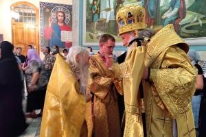 В канун дня памяти апостолов Петра и Павла митрополит Тихон возглавил богослужение в Михаило-Архангельском храме