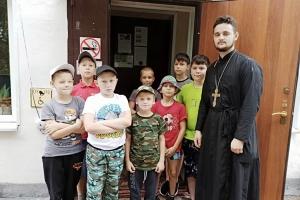 Священник из села Знаменское призвал детей быть терпимыми друг к другу