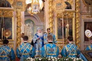 В канун Недели 10-й по Пятидесятнице Владыка Тихон совершил богослужение в Ахтырском кафедральном соборе
